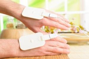 TENS Elektroden auf Hand