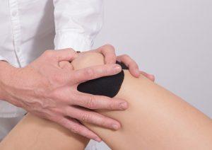 Behandlung von Kniegelenkschmerzen